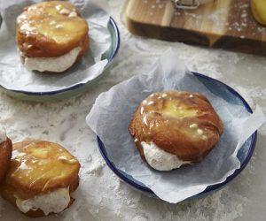 Sajian – Resipi Donut bersama Inti Krim Beri
