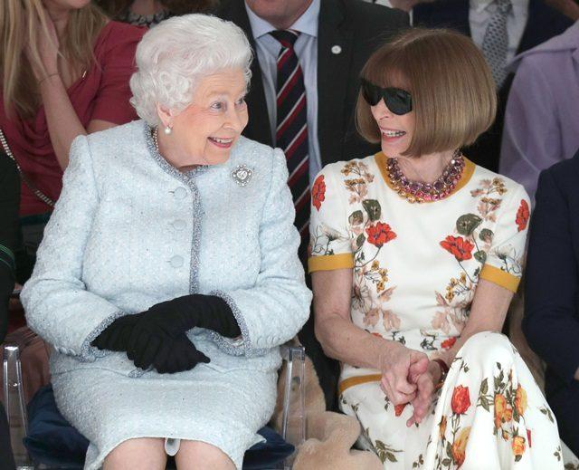 Ratu Elizabeth Membuat Debut Front Row Sewaktu Minggu Fesyen London