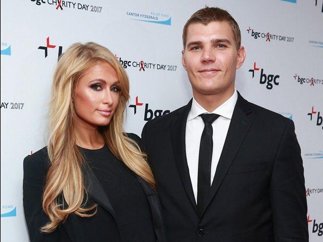 Cincin Tunang $2 juta Paris Hilton Hilang Di Kelab