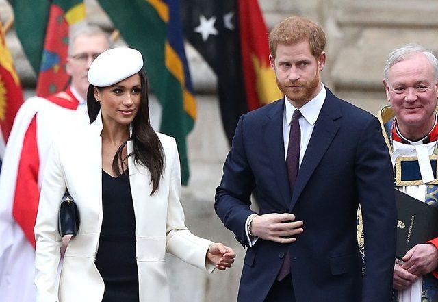 Kad Perkahwinan Meghan Markle dan Putera Harry Dihantar Kepada 600 Orang Bertuah