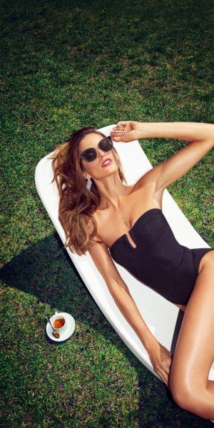 Style Rules Supermodel Izabel Goulart Bersama Jimmy Choo