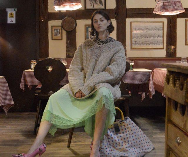"Balenciaga Strikes Again Dengan Trend Kasut ""Hodoh"""