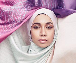 Elle Headscarves Menghembus Jiwa Parisian Tatkala Berhijab