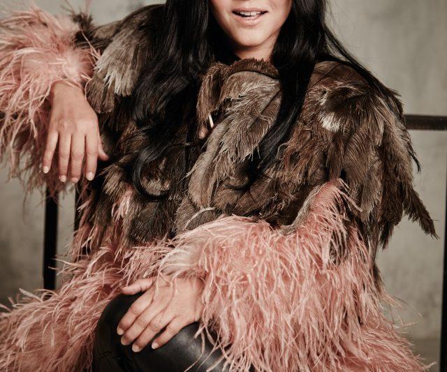 Rockstar, Ella Sebagai Ikon Pujaan Malaysia