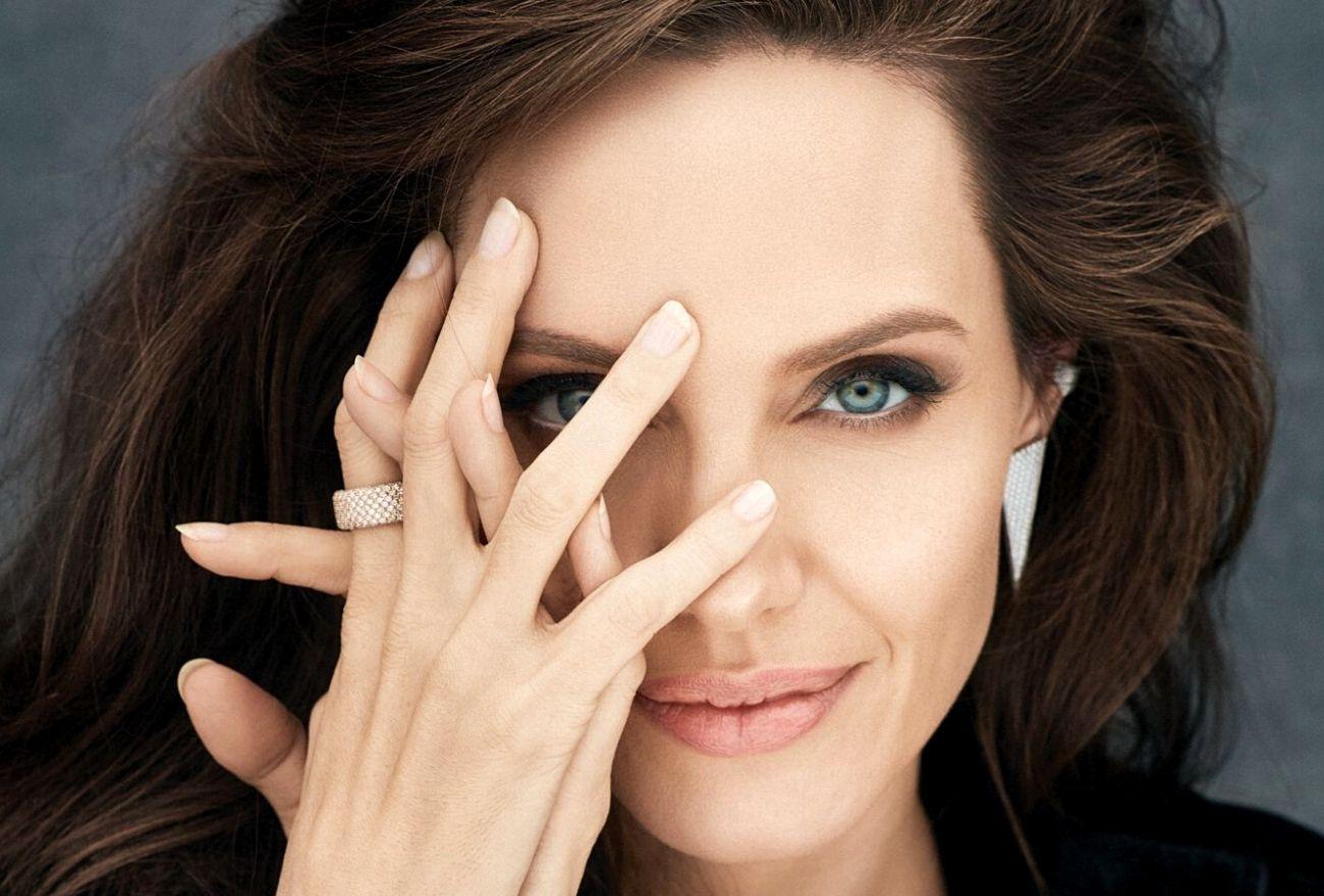 Angelina Jolie Lalui Kehidupan Sukar Lima Tahun Selepas Bercerai