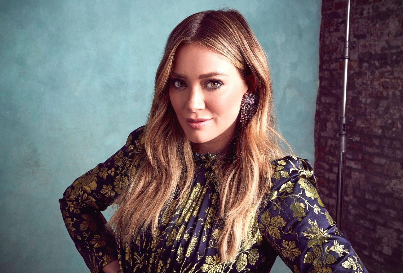 Hilary Duff Dedah Momen Intim Saat Melahirkan Anak Ketiga
