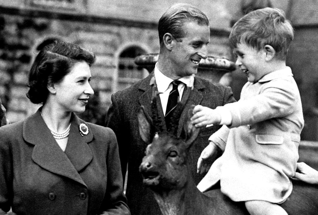 Penghormatan Istimewa Buat Putera Philip & Raja George VI Sempena Hari Bapa