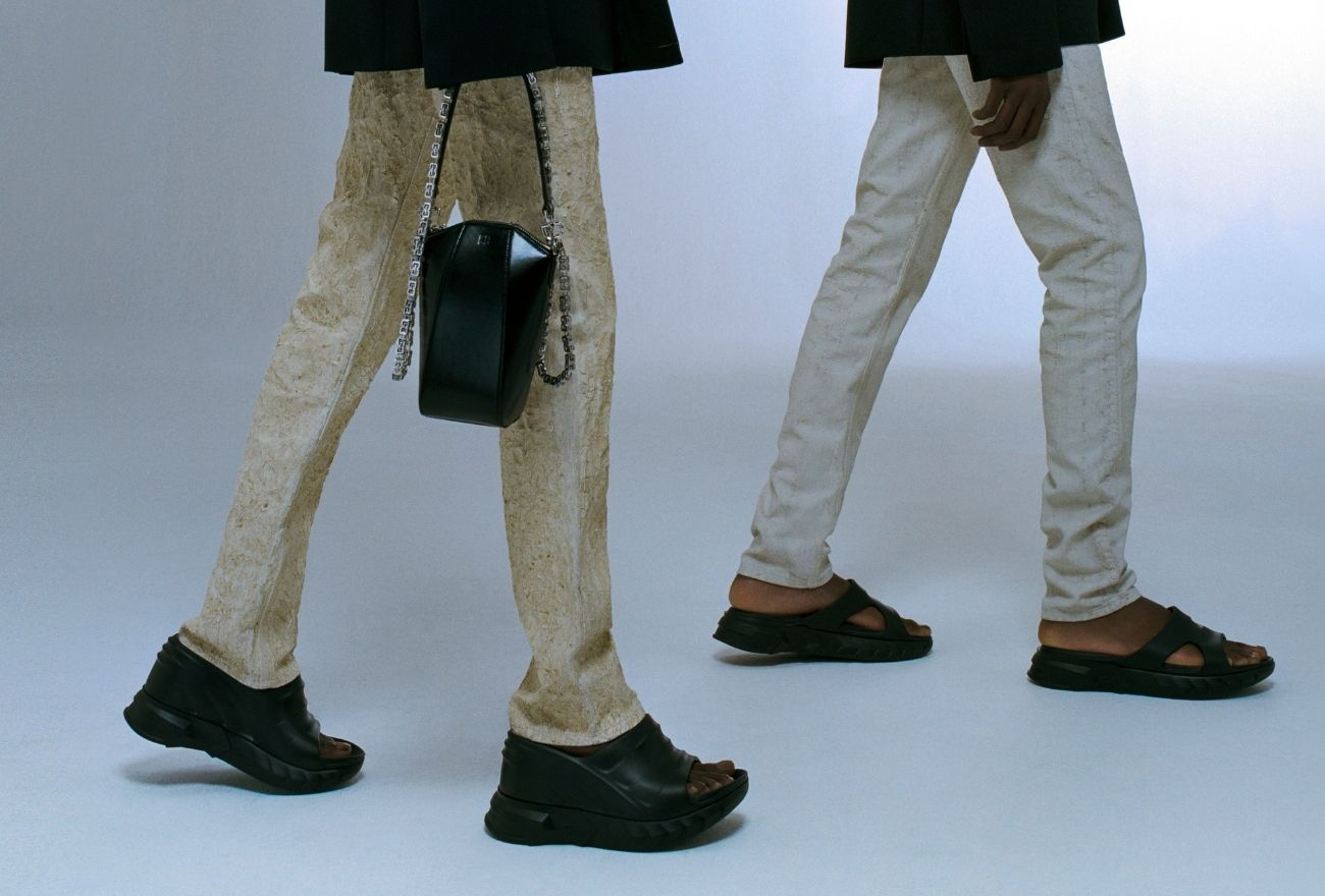 Sandal Marshmallow, Desain Unik Dari Givenchy