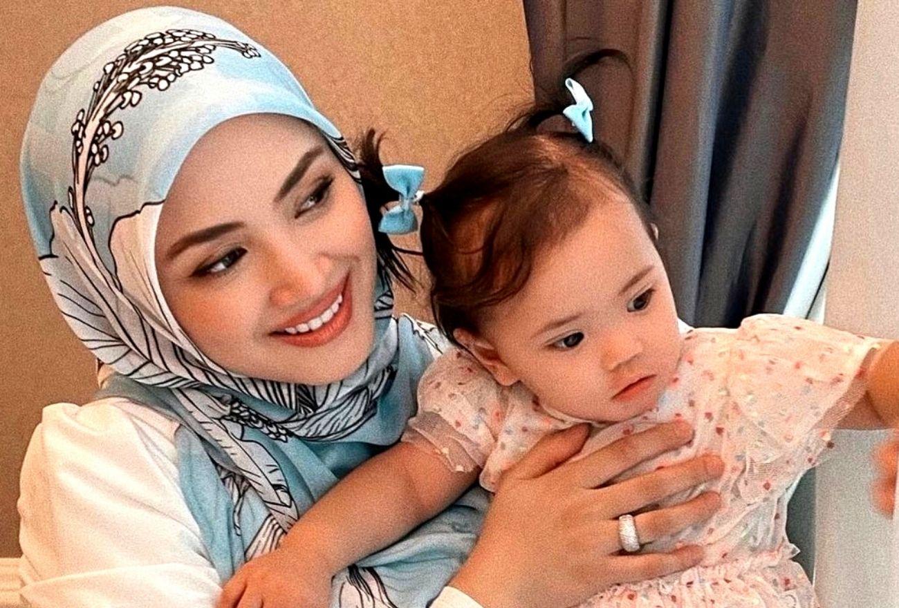 Puteri Fazura, Fatima Dikurniakan Rantai Berlian Daripada Tengku Permaisuri Selangor